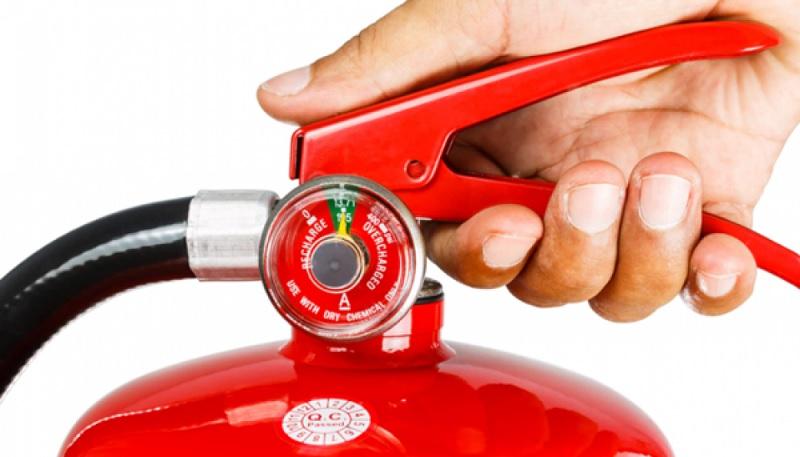 Bình chữa cháy là thiết bị không thể thiếu tại các chung cư, cơ quan, xí nghiệp