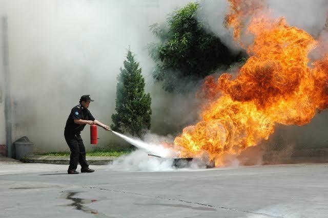 Bình chữa cháy là thiết bị không thể thiếu trong hệ thống PCCC