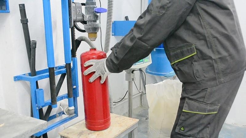 Trang thiết bị hiện đại phục vụ cho việc nạp sạc bình chữa cháy