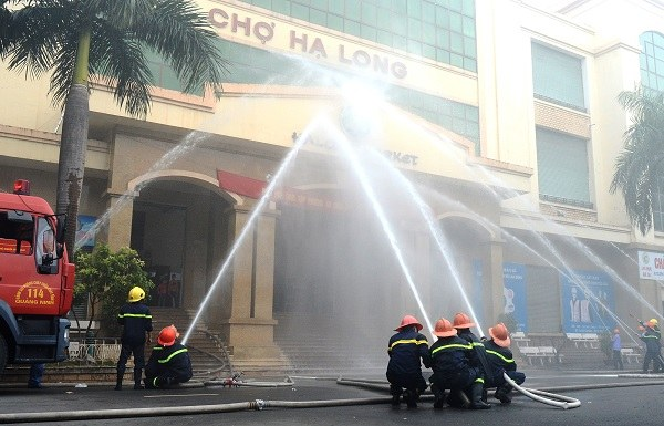 báo giá vòi chữa cháy