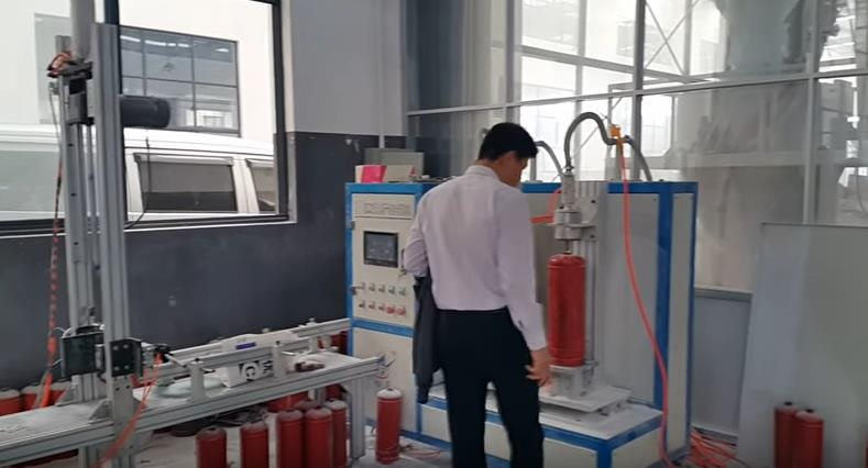 Nạp bình chữa cháy với chất lượng đảm bảo theo các tiêu chuẩn về PCCC