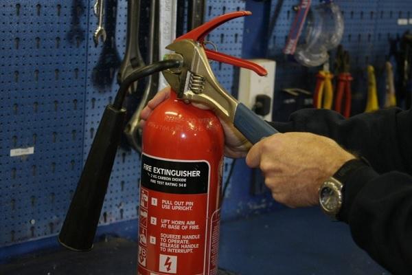 Cần kiểm tra bảo dưỡng bình chữa cháy thường xuyên